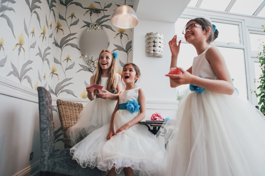 Magic for children at weddings