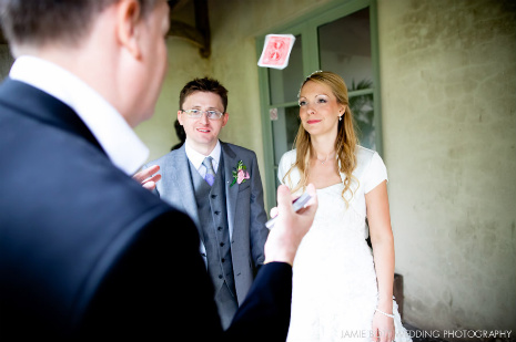 entertaining_bride__groom_with_magic.jpg